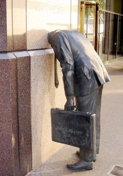 Funny statue, leave head in office