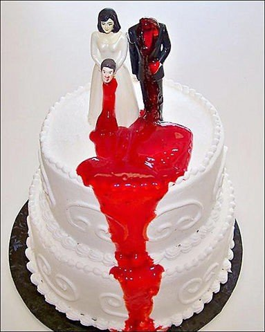 Funny wedding cake, beheaded groom