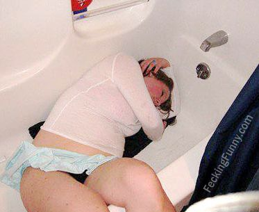Drunken and sleeping girl: sleep in the bathtub