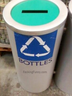 Recycle bin for bottles