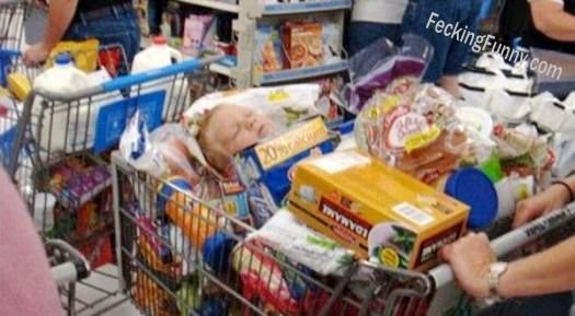 Bad parenting: shopping with kid