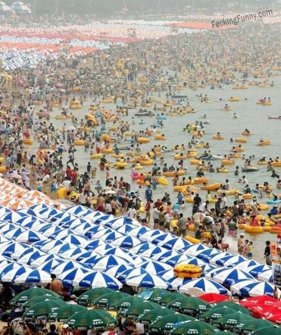 Crowded Chinese beach