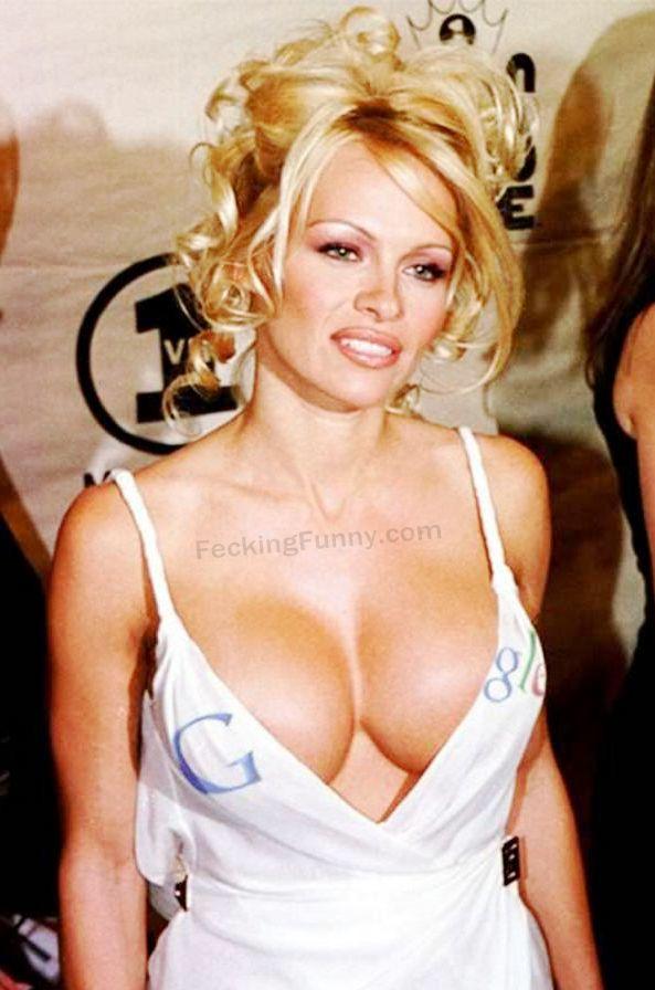 google-boobs-google-babe