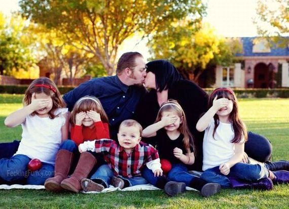 funny-family-photo-parents-and-kids