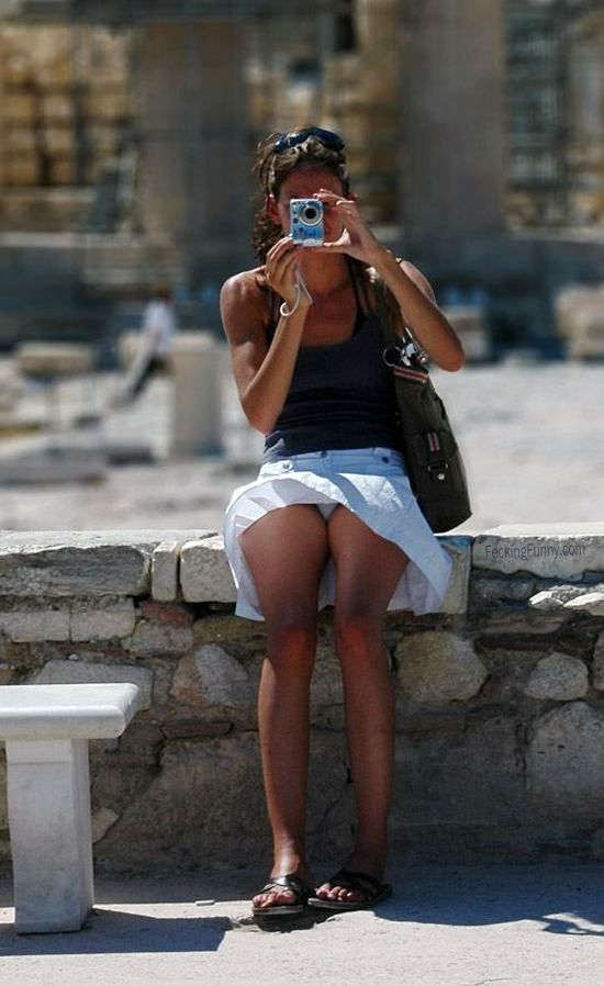 camera-woman-in-summer