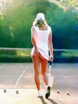 Rocky buttocks of a female tennis player