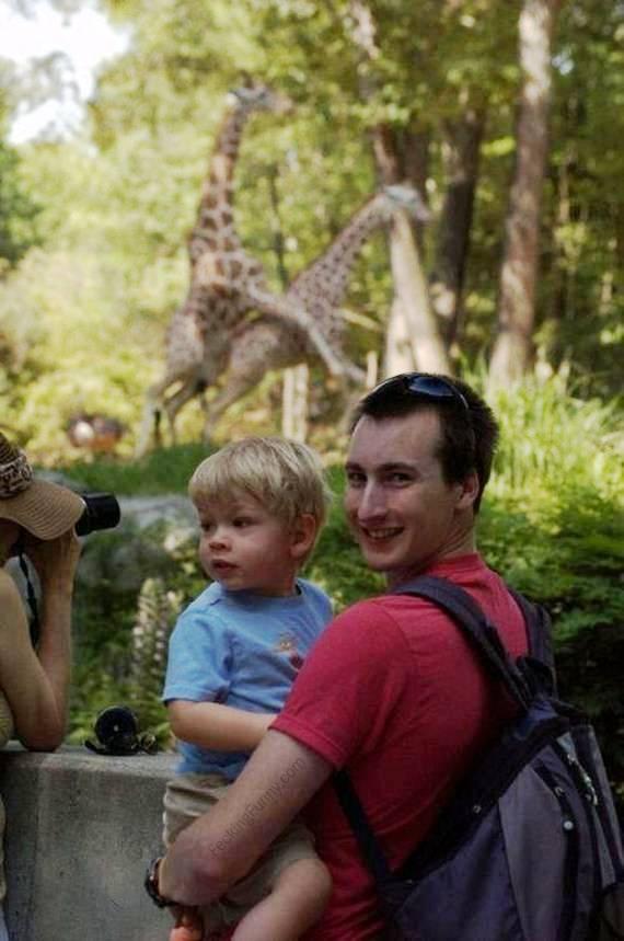 photobomb-mating-giraffe