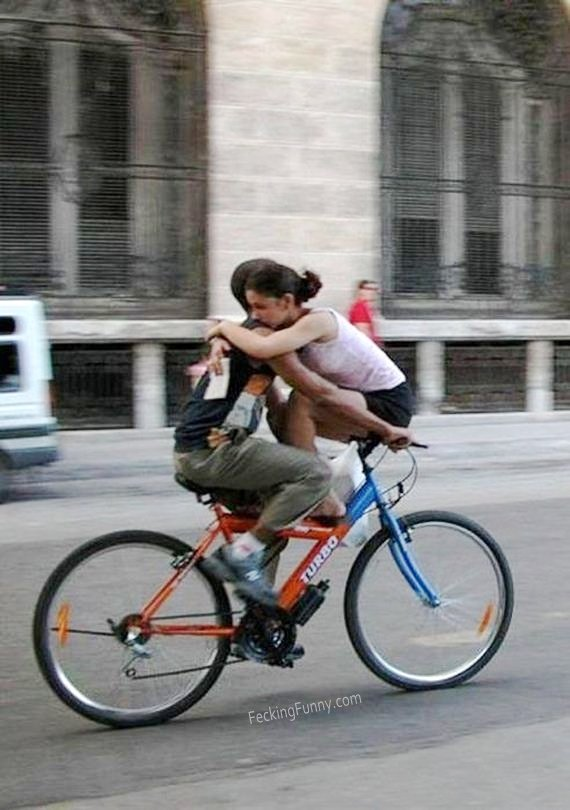 lovers-on-bike