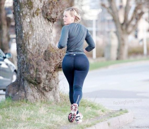 running-girl-with-giant-buttocks