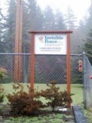Funny sign: invisible fence