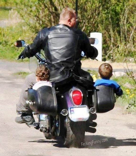How to carry two kids with motorbike?