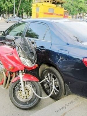 How to lock your motorbike in Russia