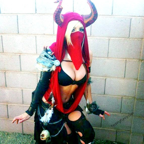 Sexy cosplay babe