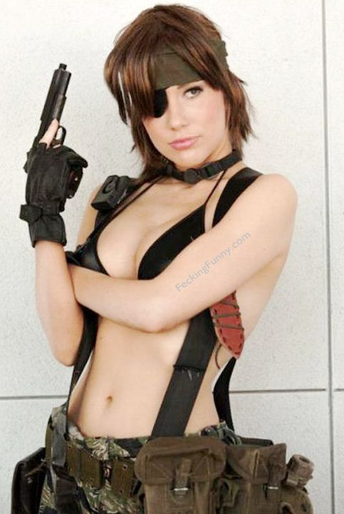 sexy-cosplay-girl-bikini-and-gun