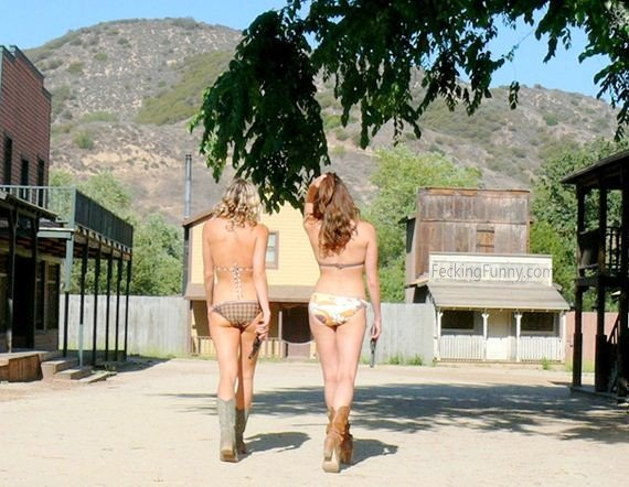 bikini-cowgirls-with-gun
