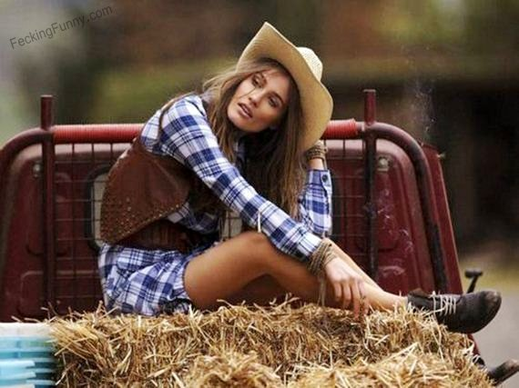 hot cow-girl-on-truck
