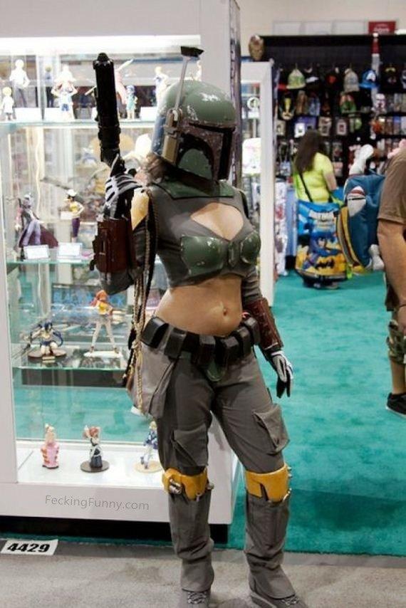 sexy-cosplay-girl-bra-and-gun